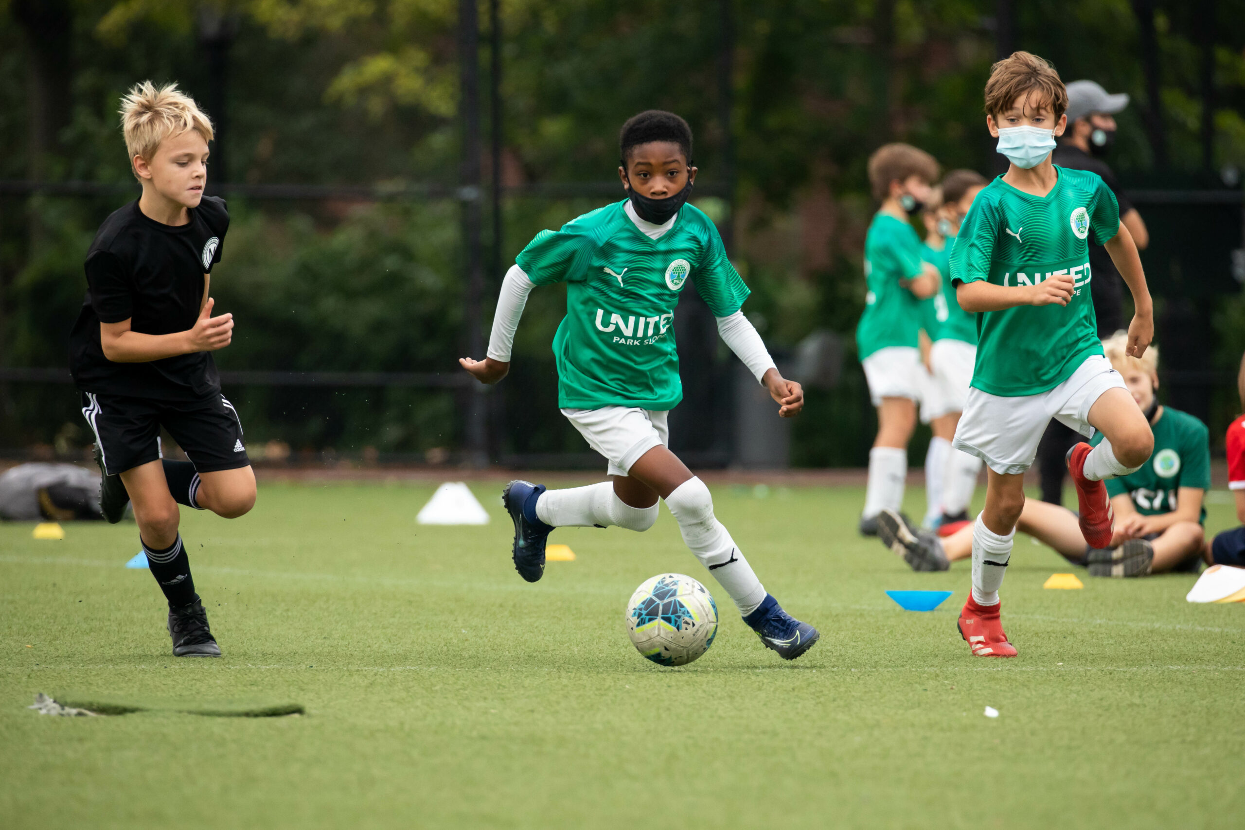 BROOKLYN, NY — SEPTEMBER 26, 2020:  Park Slope United's (PSU) 2010 Bianconeri defeat Metropolitan Oval 10-1 at St John's Park on September 26, 2020 in Brooklyn, NY.  Photograph by Michael Nagle
